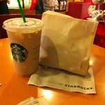 Photo taken at Starbucks (สตาร์บัคส์) by Dora_ a. on 12/11/2012
