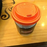 Photo taken at DUNKIN' DONUTS by so1ree on 12/8/2012