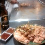 Photo taken at Ninja Japanese Steakhouse & Sushi by Michael H. on 10/12/2014