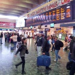 Photo taken at London Euston Railway Station (EUS) by Talal I. on 9/16/2012