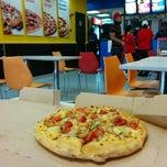 Photo taken at Domino's Pizza (Neo Damansara) by Edmund on 12/14/2014