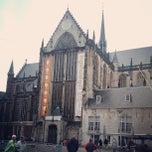 Photo taken at De Nieuwe Kerk by Paulo Cezar A. on 5/31/2013