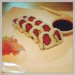 Photo taken at Genki Noodles & Sushi by Melissa B. on 4/23/2013
