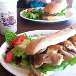 Photo taken at The Coffee Bean & Tea Leaf by SH. DI. SO. on 9/27/2012