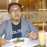 Photo taken at D'Cost Seafood by Ningkelle on 1/29/2015