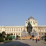 Das Foto wurde bei Maria-Theresien-Platz von morimoto h. am 4/23/2013 aufgenommen