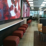 Photo taken at Wendy's Reforma by Annie Marie I. on 11/12/2012