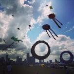 Photo taken at Marina Barrage by Dinastik K. on 7/6/2013