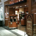 Photo taken at Teavana by Dennis J. on 12/16/2012