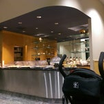 Photo taken at Philippine Airlines Mabuhay Lounge by Cheryl P. on 1/1/2015
