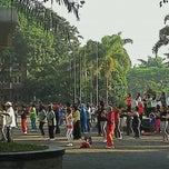 Photo taken at Pertamina Kantor Cabang Bandung by Abahe E. on 9/23/2011