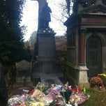 Photo taken at Begraafplaats van Brussel / Cimetière de Bruxelles by Martijn on 11/18/2011