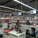 Photo taken at Media Markt by Doğan Ö. on 11/20/2012