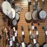 Photo taken at Appalachian Bluegrass Shoppe by Matthew on 12/28/2012