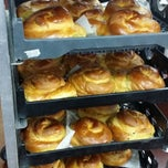 Photo taken at New York Bagels `N Bialy Restaurant & Deli by Shelley C. on 9/23/2014