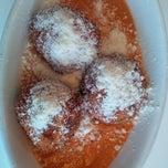 Das Foto wurde bei Marie's Italian Specialties von RayRico®™ am 8/11/2013 aufgenommen