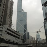 Photo taken at Three Pacific Place Bus Stop 太古廣場三座巴士站 by Connon on 4/10/2013