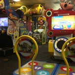 Photo taken at Chuck E. Cheese's by Rufus S. on 8/25/2013