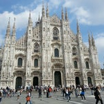 Photo taken at Duomo di Milano by Kayhan on 6/10/2013