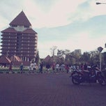 Photo taken at Universitas Indonesia by Ikka on 4/13/2013