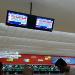 Photo taken at Mega Lanes by alifreyes O. on 10/28/2014