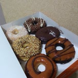Photo taken at Dunkin' Donuts by aprillia n. on 3/24/2015