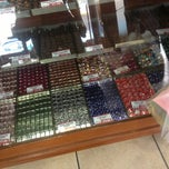 Photo taken at Chocolates Costanzo by Alfonso on 3/10/2013