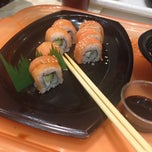 Photo taken at Sushi Itto by Oliver A. on 11/19/2013
