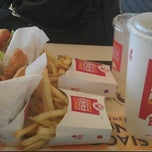 Photo taken at Wendy's by TheLivin T. on 11/26/2012