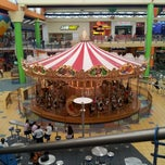 Photo taken at Food Court Carrusel by Rafael B. on 10/27/2012