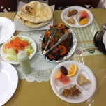 Photo taken at Al-Watan Halal Tandoori by James W. on 8/15/2012
