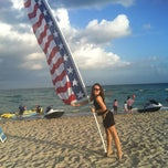 Photo taken at 9th Street Beach by Guzel G. on 12/26/2012