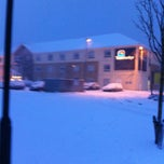 Photo taken at Travelodge by Thisrandom_sy on 1/18/2013