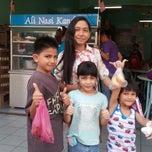 Photo taken at Restoran Nasi Kandar Ali by Syahril N. on 5/3/2014