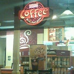 Photo taken at Dunkin' Donuts by Charles S. on 3/11/2013