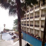 Photo taken at Garden Cliff Resort and Spa by wud88 p. on 11/16/2012