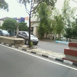 Photo taken at Jalan Kertajaya by Mar'atul A. on 2/16/2014