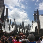 Photo taken at The Wizarding World Of Harry Potter by U N. on 5/25/2013