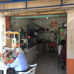 Photo taken at Tacos La Chiquita (los de Manzanillo) by Erick T. on 1/28/2015
