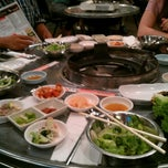 Photo taken at Honey Pig Gooldaegee Korean Grill by Alex F. on 7/7/2012