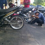 Photo taken at Kedai Motor SM Sri Yeak by Shafiq S. on 2/1/2012