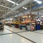 Photo taken at ตลาด อ.ต.ก. (Or Tor Kor Market) by Pakorn T. on 10/18/2012