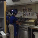 Photo taken at Domino's by oswaldo v. on 10/20/2013