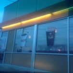 Photo taken at Dunkin' Donuts by Sonya H. on 12/14/2013