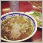 Photo taken at Saigon Vietnamese Restaurant by Ellie B. on 11/22/2013