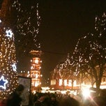 Photo taken at Mainzer Weihnachtsmarkt by Rebecca K. on 12/13/2012