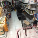 Photo taken at VRDnal Pet Shop - Kelapa Gading by Bobby S. on 10/14/2012