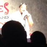 Photo taken at Jokes And Notes Comedy Club by Karen K. on 7/31/2014