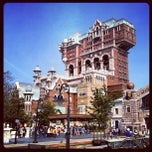 Photo taken at 東京ディズニーシー (Tokyo DisneySea) by Alessandro C. on 4/23/2013