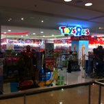 "Photo taken at Toys""Я""Us by ไรอัน (. on 1/9/2013"
